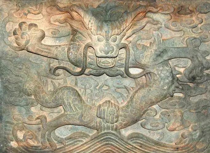 龙腹f���m�h�y�_中国与西方都有龙的传说,为何产生一正一邪两种极端不
