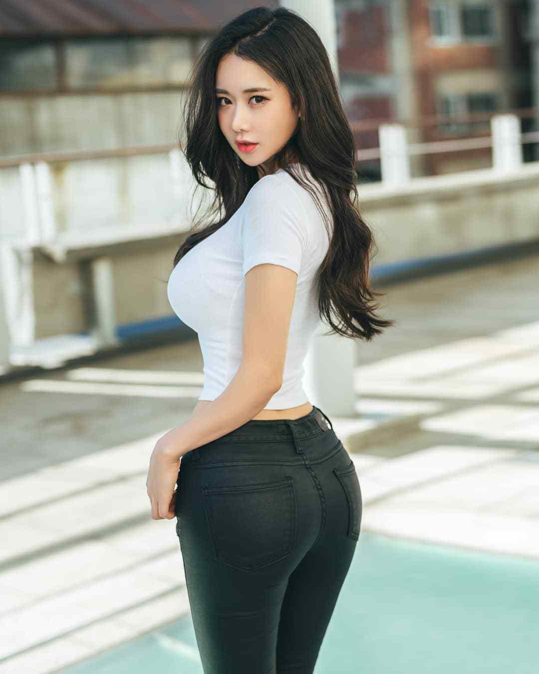 美女被插删除删除_韩国美女大学生,身高165cm体重120斤,健身助她走上人生巅峰!