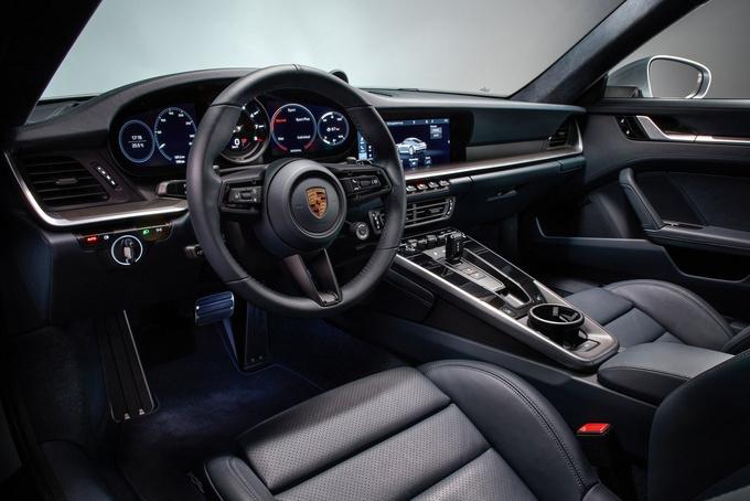 保时捷全新911敞篷版将发布 售价上涨增混动车型