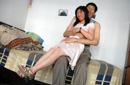 嫁给2米36体重330斤的鲍喜顺什么感觉?妻子夏淑娟这么回答