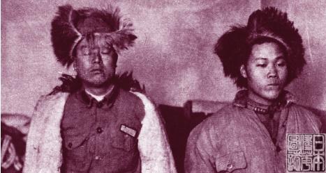 被日军抓捕的东北军女战士.图片