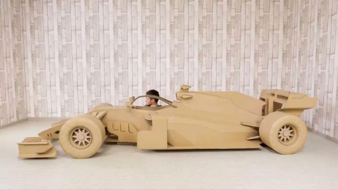 教你用硬纸板和热熔胶枪造 F1 赛车!
