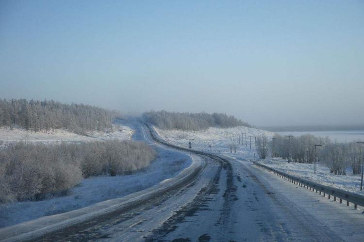 """用生命铺就的""""死亡之路"""",近2万修路人埋在冻土公路下"""