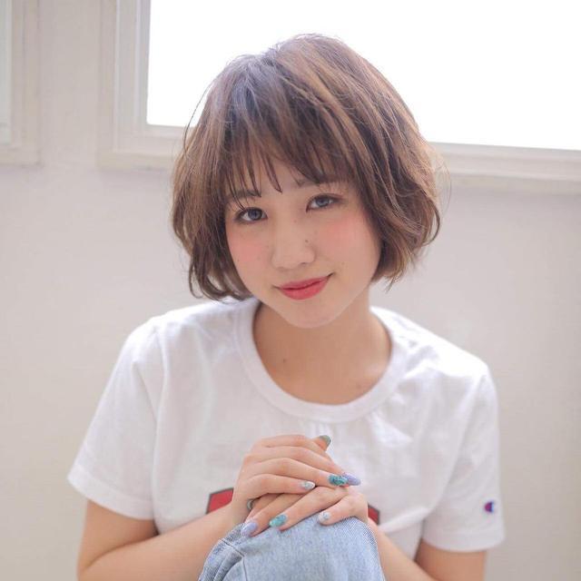 30岁女生适合什么样的短发?发型师:轻熟风短发更适合有故事的你图片