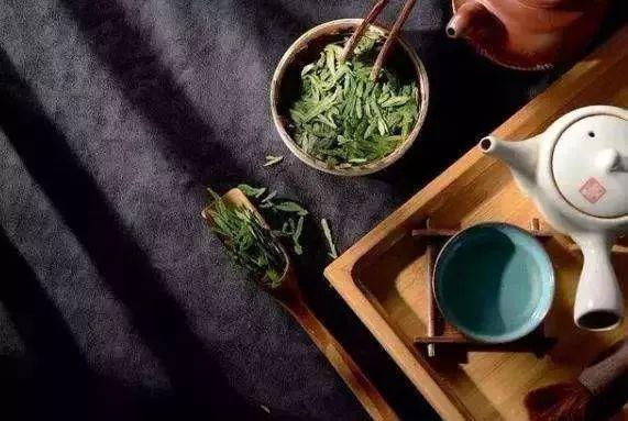 晚上喝茶对身体有害吗图片