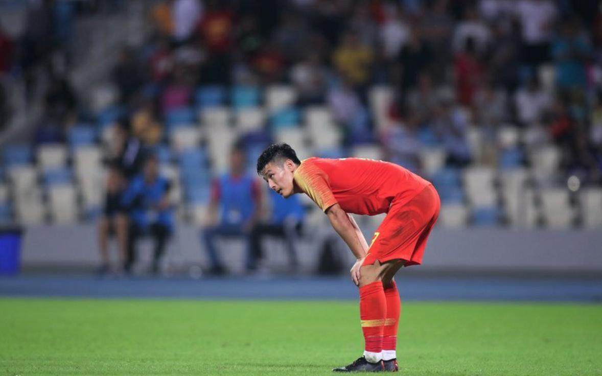 """国足终于有球员荣登亚足联榜单,却让人看到中国足球的""""没落"""""""