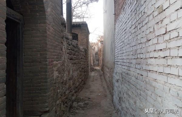 曲阳西泉头村人口有多少_曲阳北赤岸村景区