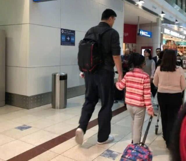 姚明女儿身高受人瞩目,8岁竟然已经1.6米?中国篮球未来之星?