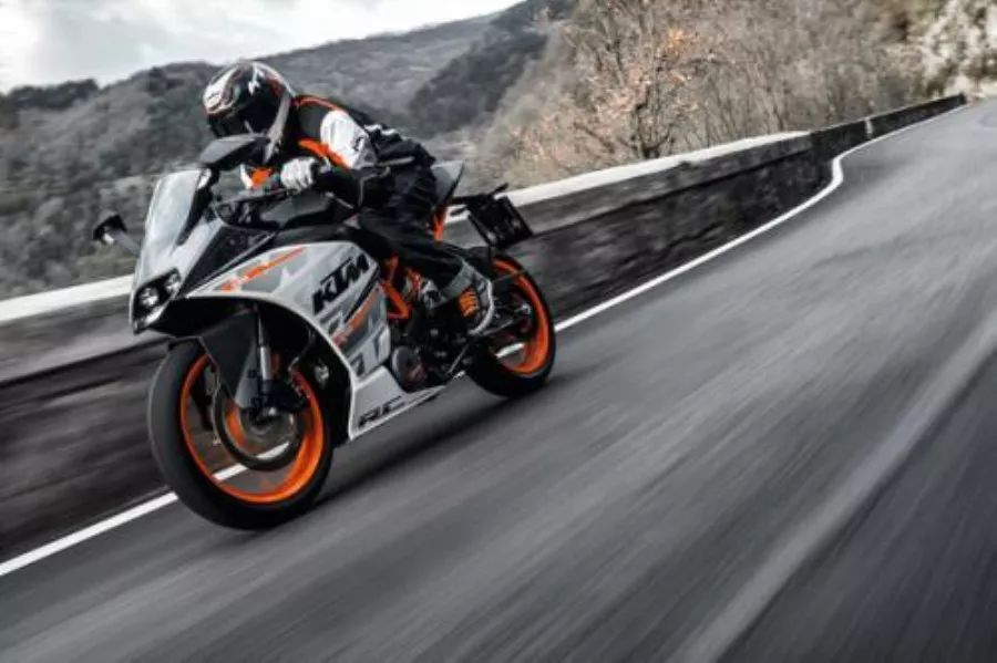 """11选5开奖结果川崎Ninja400 VS KTM RC390!谁是摩托车中的""""钢炮"""