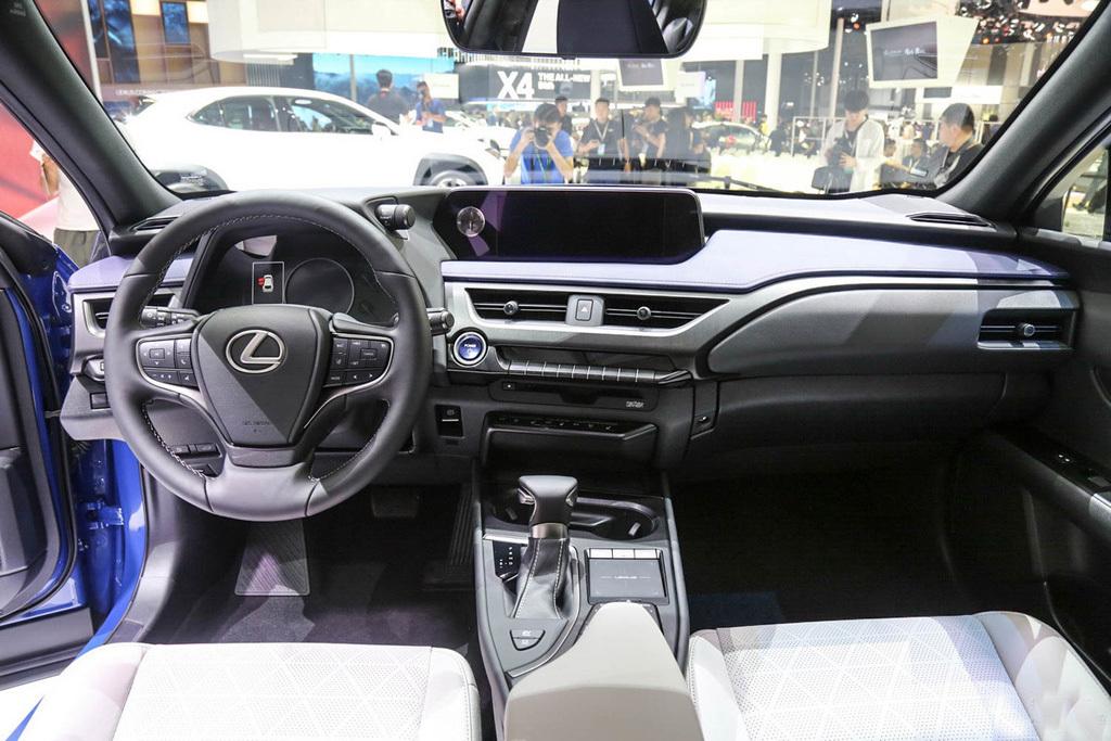 含20L混动26万的雷克萨斯SUV会让其它车型BBA紧张吗_凤凰lll年凤