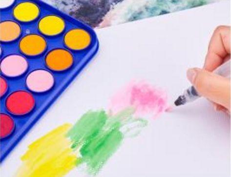 3岁以上,可以使用蜡笔,水彩笔,手指画,橡皮,刷子,橡皮泥,粉笔,儿童剪