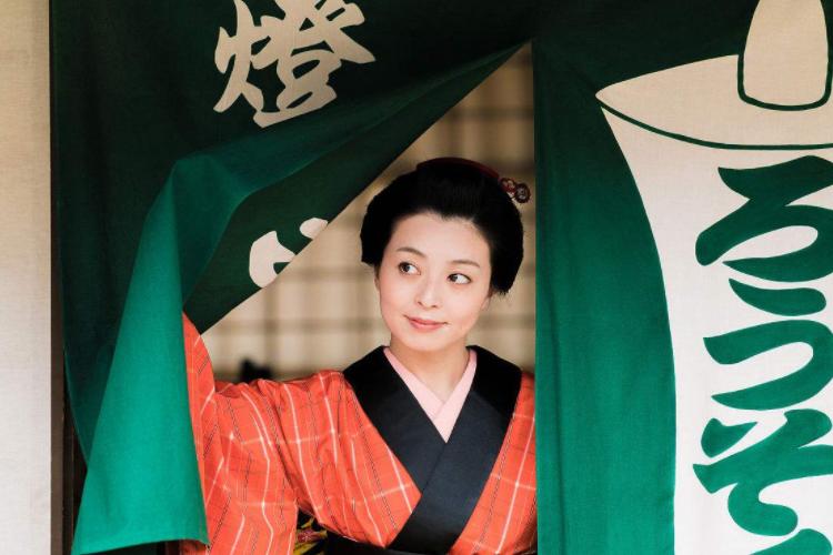 为何定居上海的日本人女性居多?她们怎幺赚钱的?收入如何?