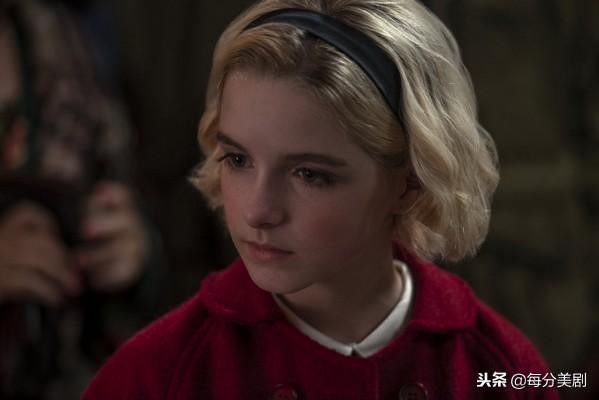 她将客串netflix剧集《萨布丽娜的惊心冒险》的圣诞特别集《午夜传说