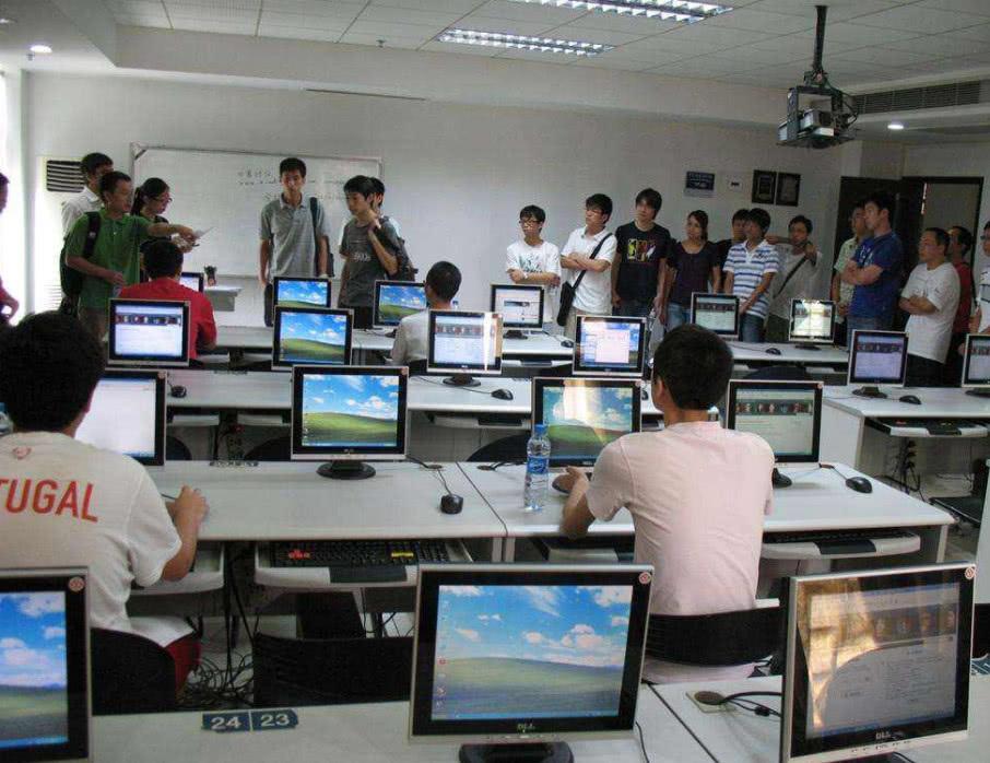 计算机考�y�^�_1.计算机专业
