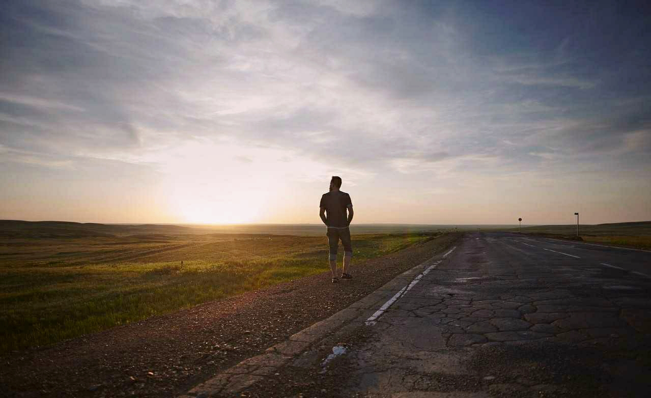 孤独是一个人的狂欢,狂欢是一群人的孤独