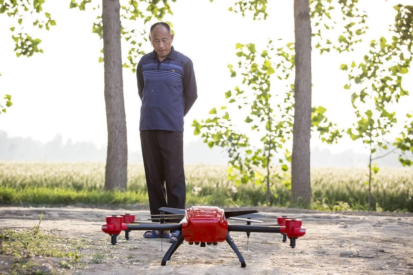 想要农业赶上时代,先要让无人机赶上农业