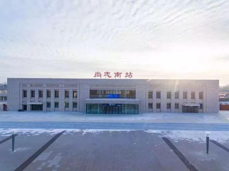 牡丹江南站_上行距离哈尔滨站约160公里,下行距离牡丹江站约170公里.