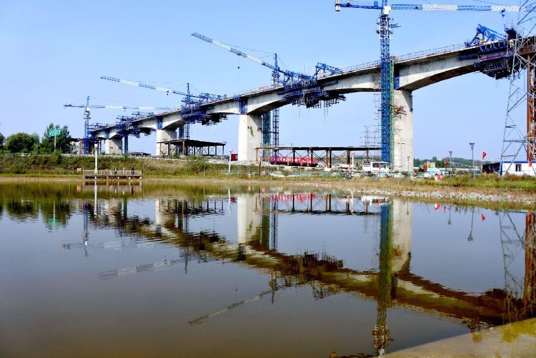 牡丹江南站_一条全面振兴全方位振兴的钢铁跑道_牡丹江