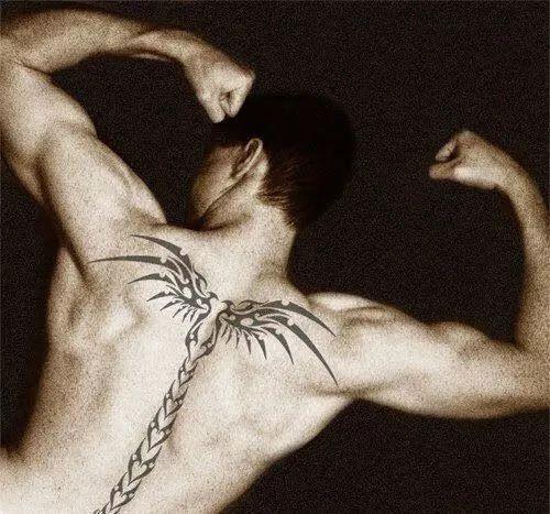 纹身| 男生脊柱纹身图片