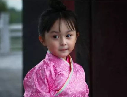 """《知否》里""""小明兰""""原来也是老戏骨,还未上线的赵丽颖造型有点迷... 作者: 来源:扒小妹儿"""