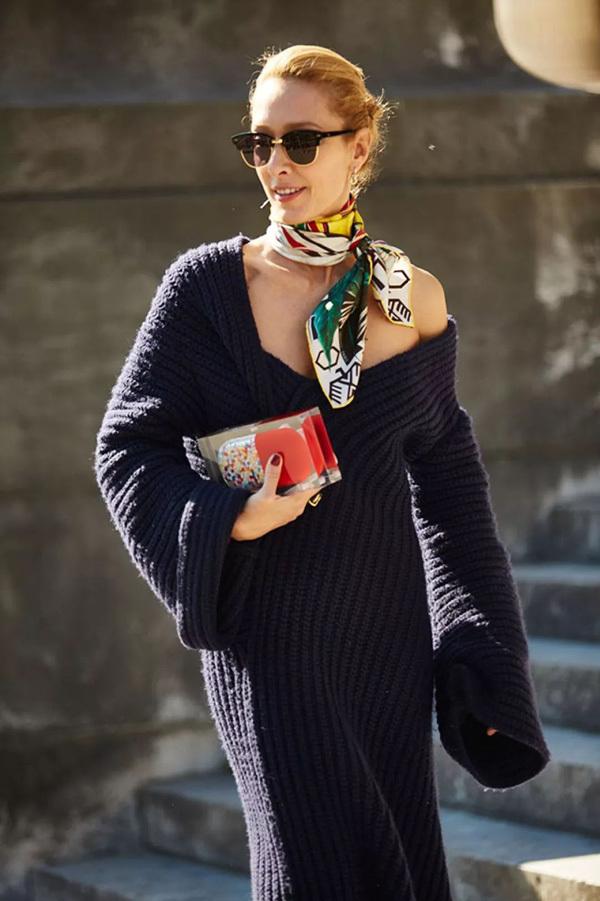Get杨幂同款羊绒围巾 比穿两件毛衣还管用