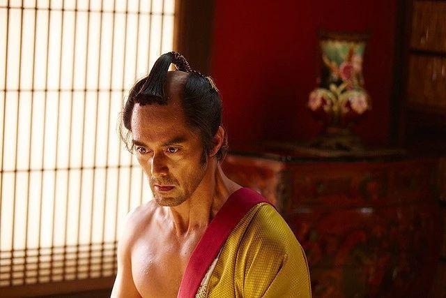 日本情色电影网盘下载_《除蚤武士》:日本影星阿部宽的中老年情色喜剧电影,尽显无厘头