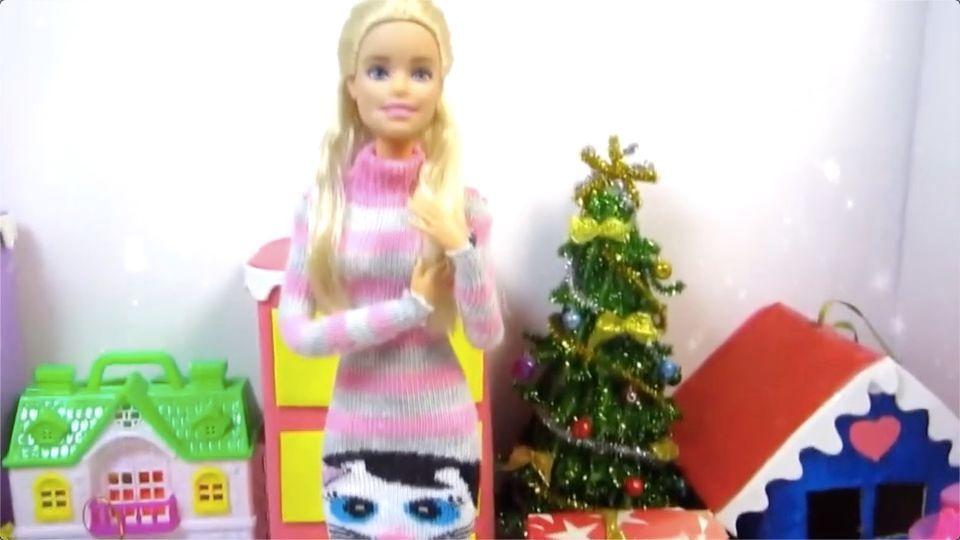 用袜子就能给芭比娃娃做高领连衣裙,简单又好看,手残党都会做