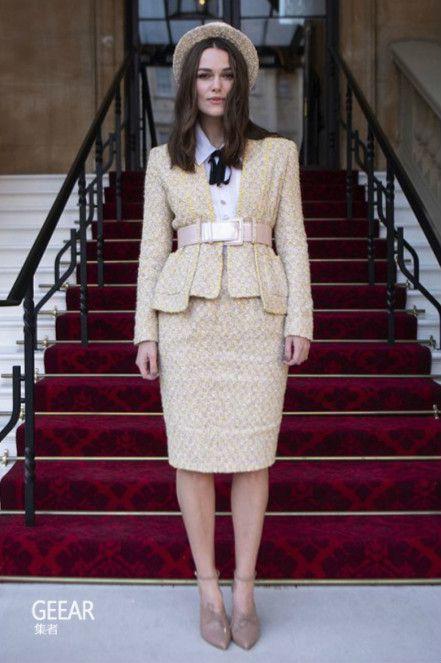 这款被认为是过时了的配饰却能成为秋冬时尚的