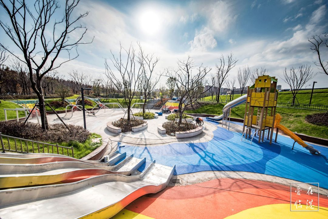 bbs论坛_为社区提供一处 景致优雅, 功能完备的 综合性社区公园.