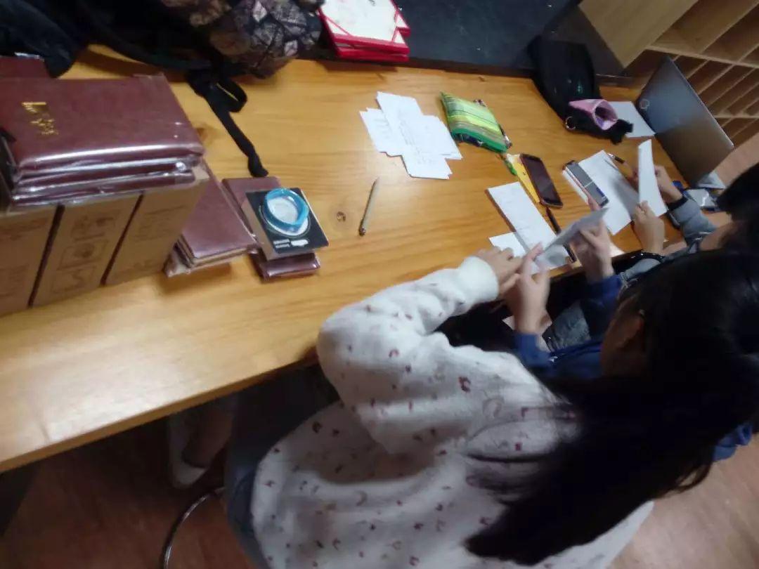 华裔女子遭外国男友出卖床照曝光 (转载) - 水木快照 JinghuaSoft