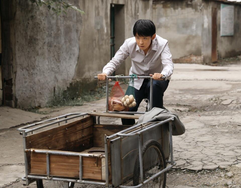 《大江大河》:聪明滑头的杨巡好惨,戴娇凤跑了,生意血