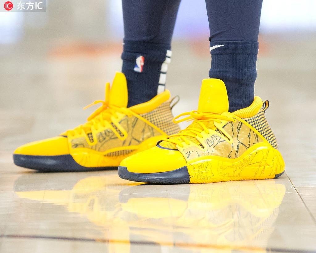 [狐]28日NBA球鞋上脚一览:米切尔首双签名鞋曝光