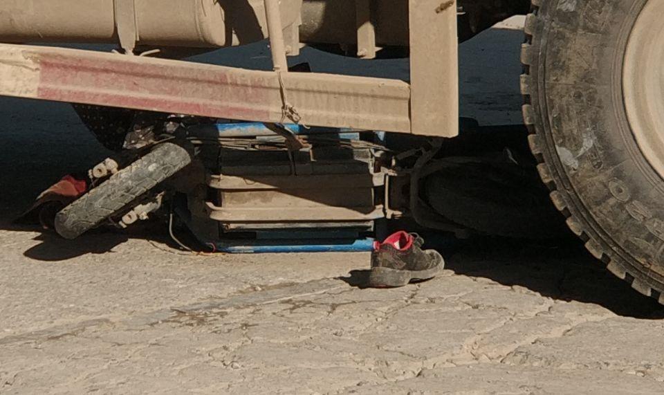 菏泽一渣土车与电动二轮车相撞 1大人和1孩子身亡(图7)