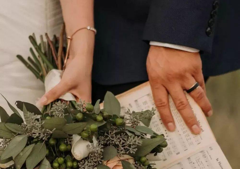 胡歌前女友自曝恨嫁婚姻不该成为女性的弱点_腾讯分分彩定位