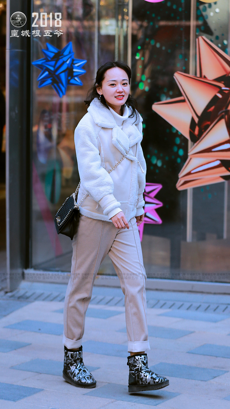街拍:會穿搭的女人身上總是會有一股特殊的魔力 形象穿搭 第6張