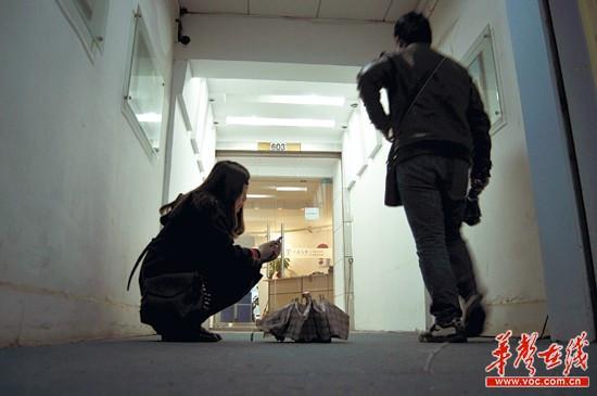 李阳疯狂英语分校关门 家长 课上一半就倒闭了