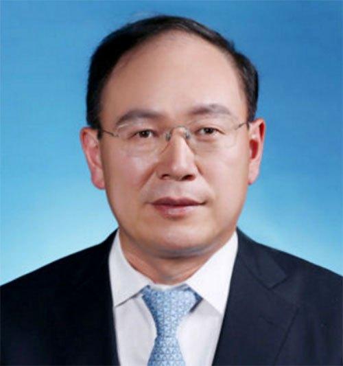 奚国华就任一汽轿车董事长集团总经理亲自挂帅奔腾有望大发展_云