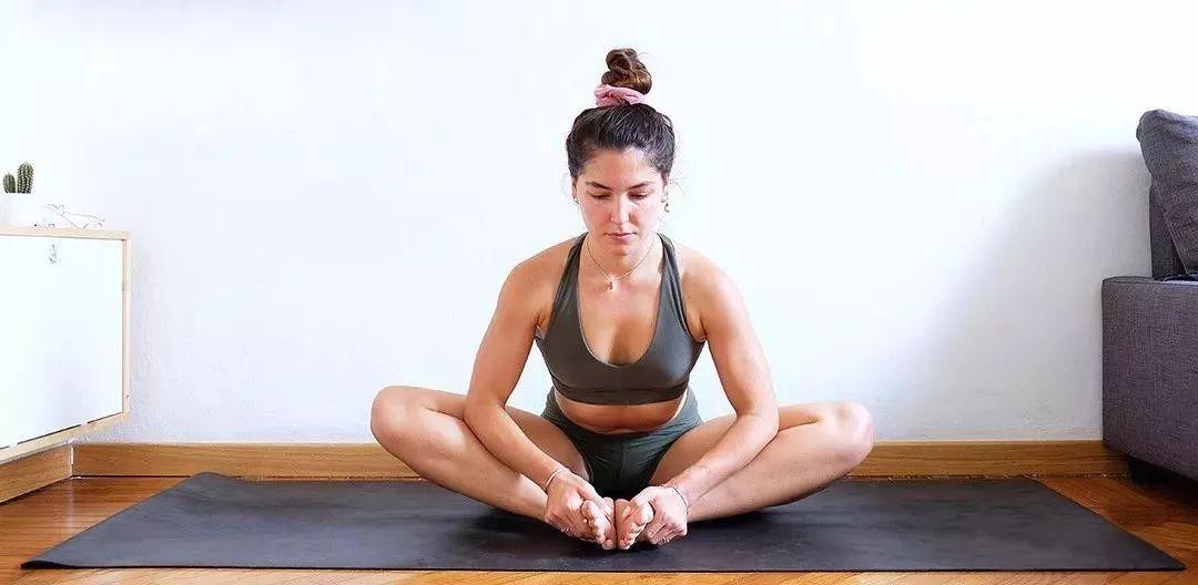 如何做个标准的瑜伽半鸽子式?你需要这样开髋.图片