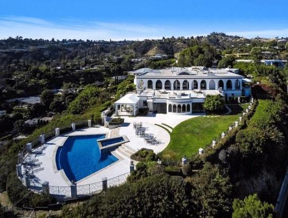 号称全球最奢侈的住宅区云集好莱坞巨星,中国只有他在这有停车位