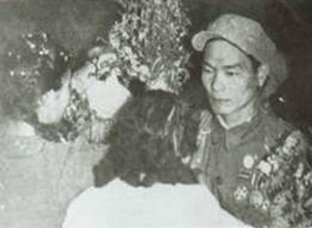 朝鲜战场一个中国士兵堵截美一个师八小时_谭秉云