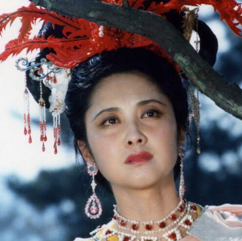 趙麗穎跟朱琳誰符合你心中女兒國國王的形象?