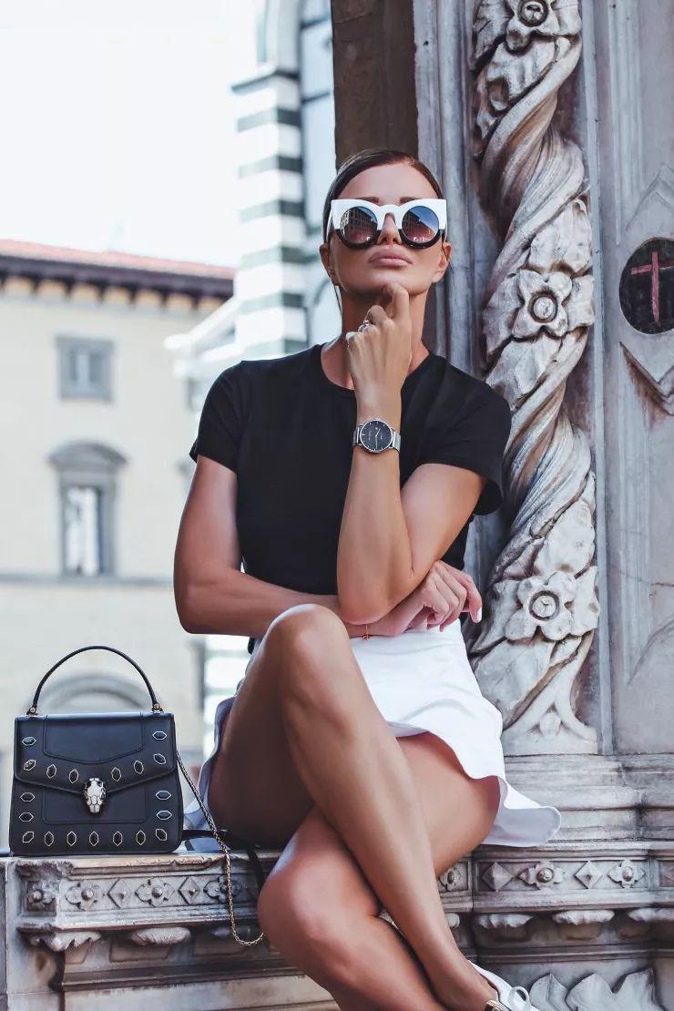 这位塞尔维亚时尚教母,只是在ins上随便晒晒穿搭图片图片