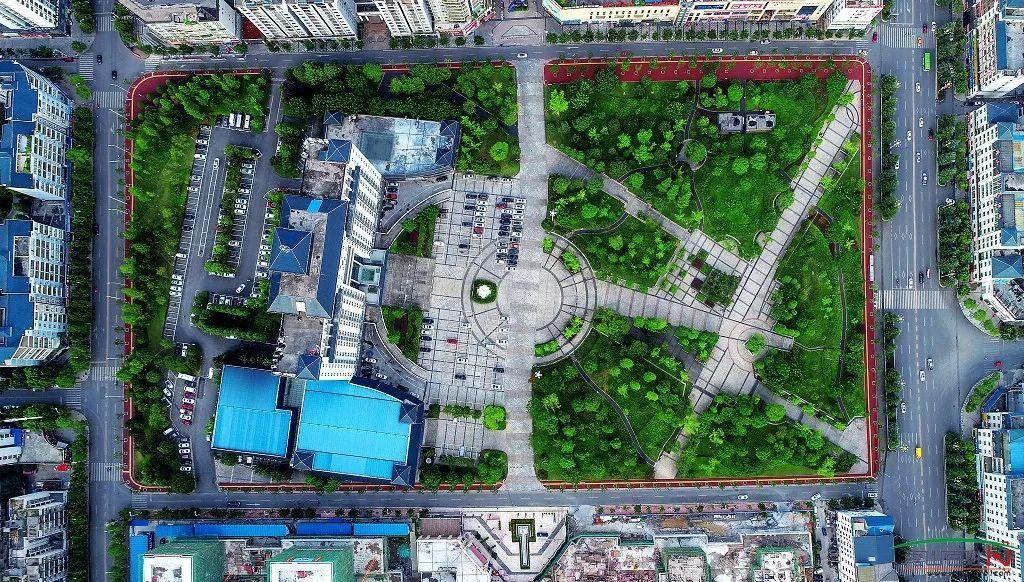 秀山人口_重庆很偏远的一个县城,总人口66万,为何被却被人称为小成都