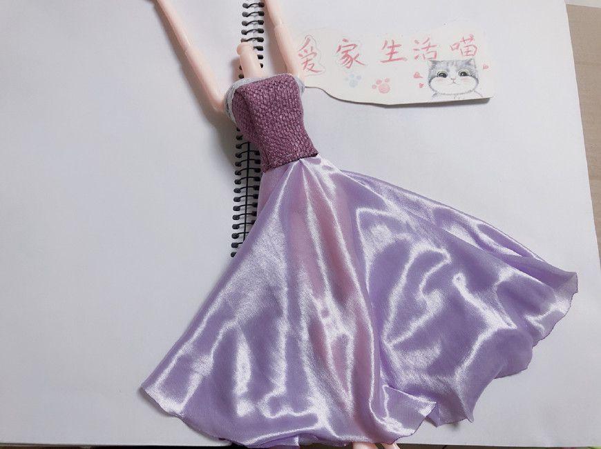 给芭比娃娃手工缝制可以脱的礼服裙子,效果很棒,做法超简单