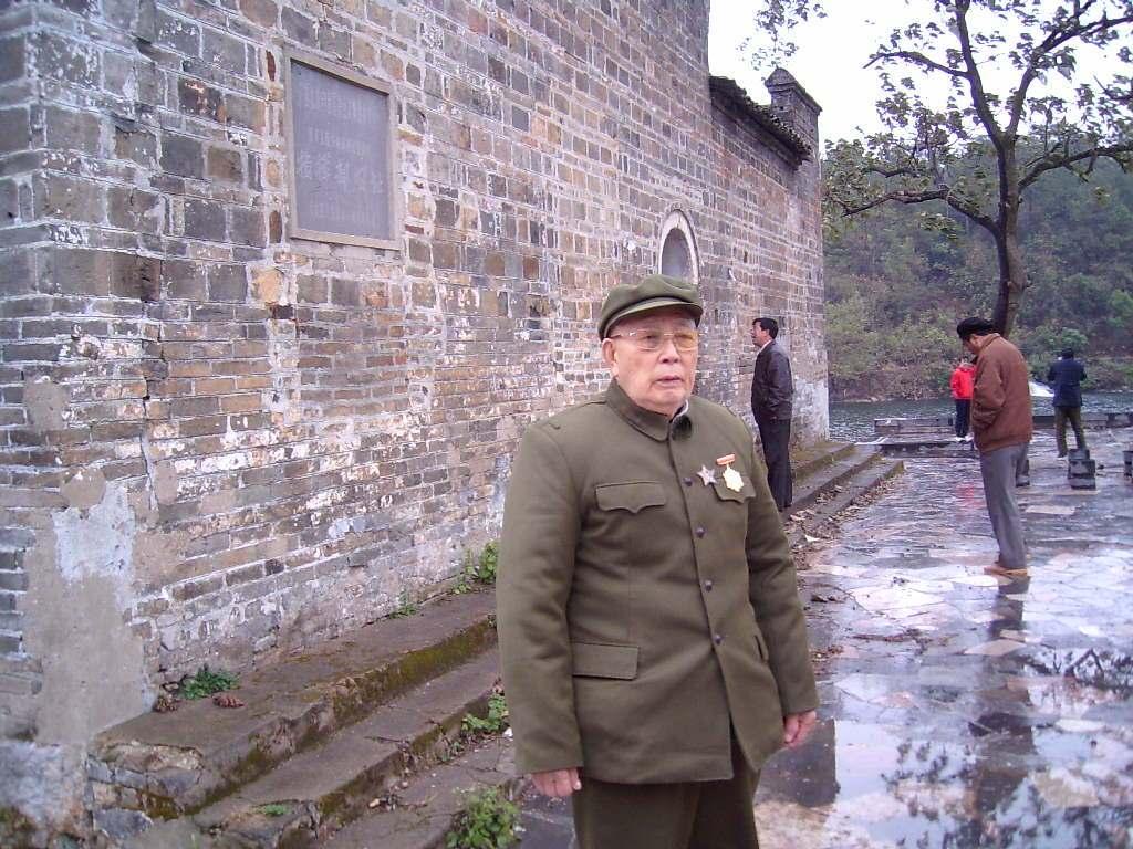 長征時他腳受毒竹簽戳傷,他卻能跟上行軍的隊伍,你知道為什么嗎_劉國保