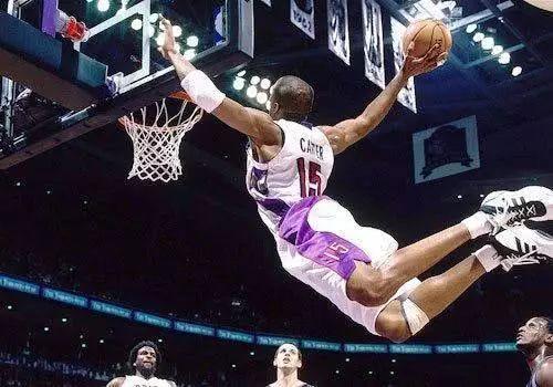 当选NBA全明星票王太难了,杜兰特0次,姚明2次,唯独他9次