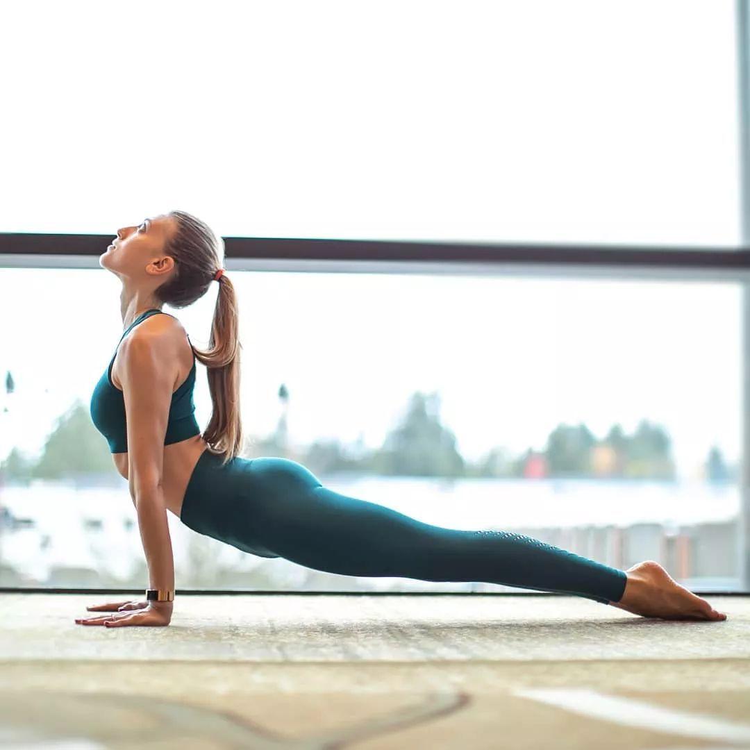 想美臀美腿,试试这套瑜伽,认真练不会错