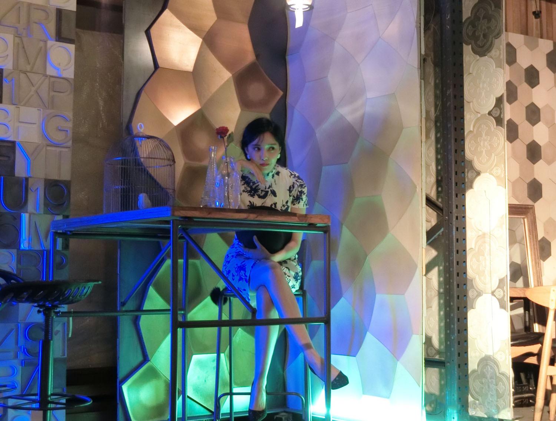 樸孝敏穿旗袍玩轉復古風,她是第二個把旗袍穿得好看的韓國人!