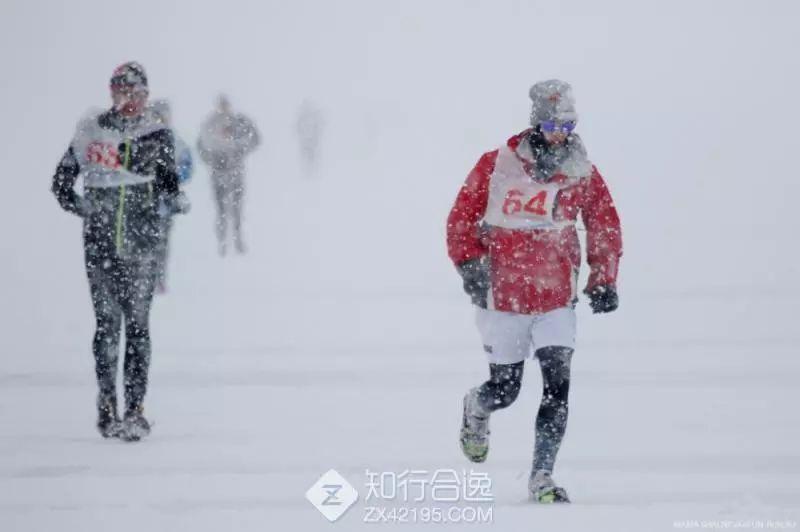 全球最冷酷赛事之一!贝加尔冰湖马拉松15周年报名即将截止!-雪花新闻