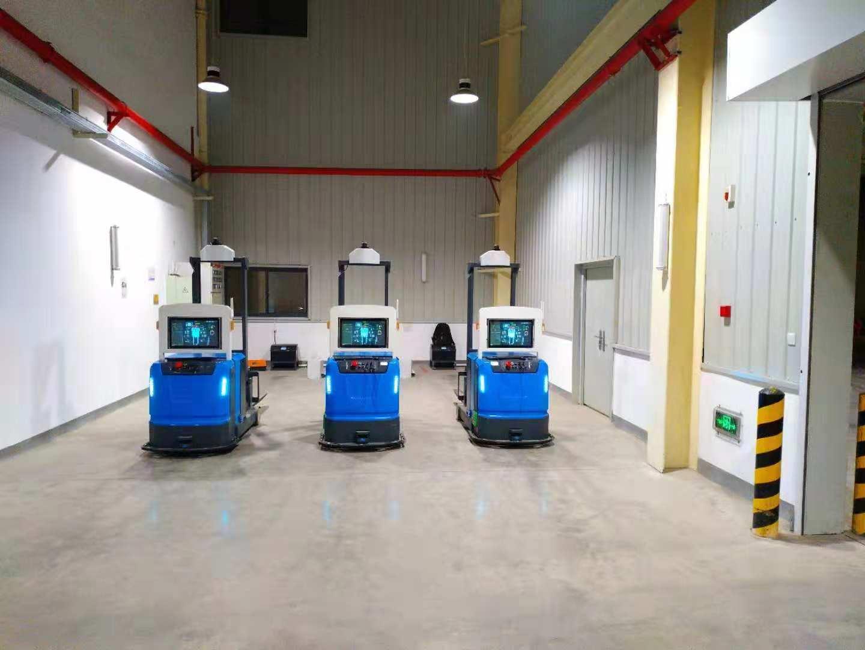 叉车AGV仓储机器人